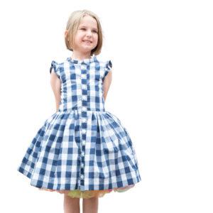 girl wearing the picknick dress