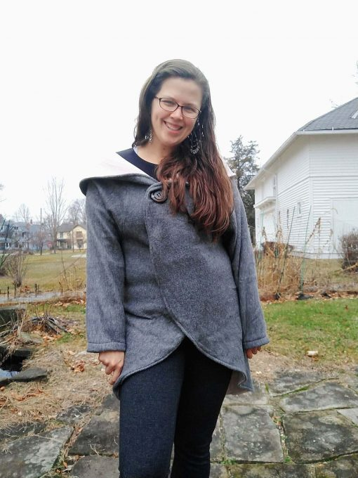 woman wearing grey cardigan made from the rondje top sewing pattern